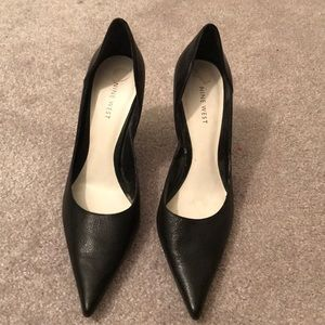 Leather Nine West black heels